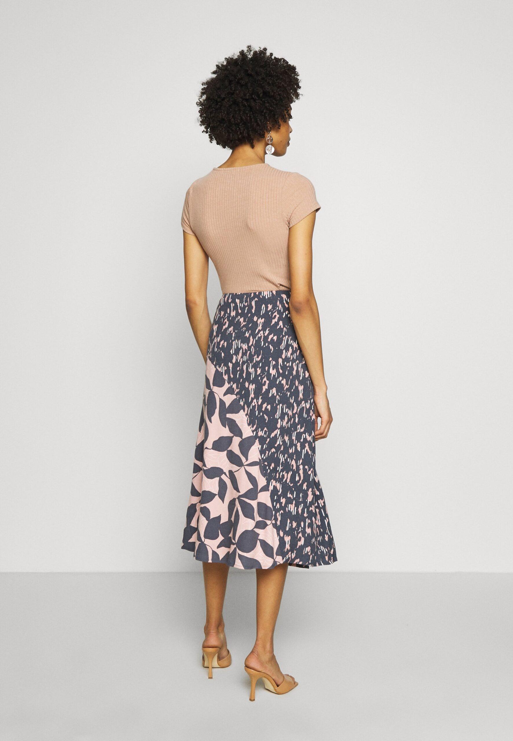White Stuff | Hidden Tiger Skirt - Grey & Pink